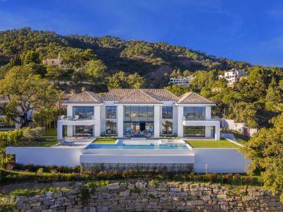 Contemporary luxury villa with breathtaking sea view