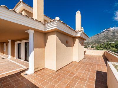 Duplex Apartment at spectacular price, Marbella