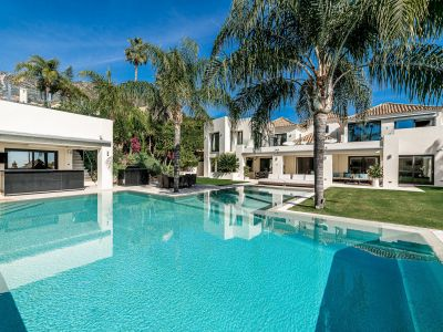 Luxury villa in Sierra Blanca with spectacular sea views