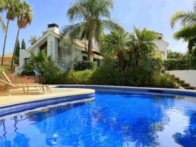 Stylish villa in the gated urbanisation of El Rosario Marbella