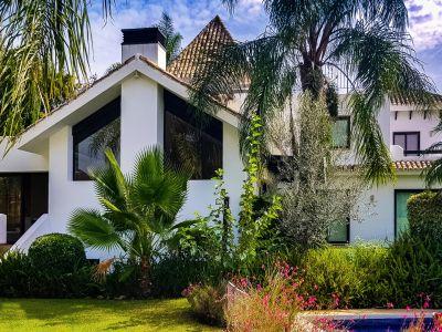 Elegante Villa in der geschlossenen Urbanisation El Rosario Marbella