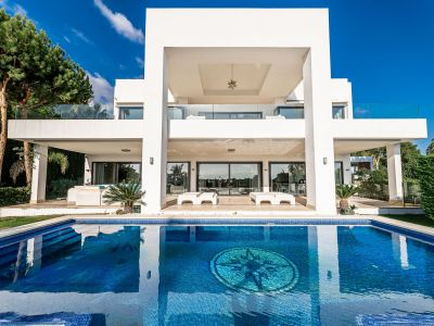 Newly built villa in Sierra Blanca with sea views