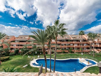 Duplex apartment 400m from the beach in Puerto Banus