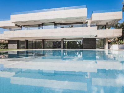 Spektakuläre Designervilla, Guadalmina Baja