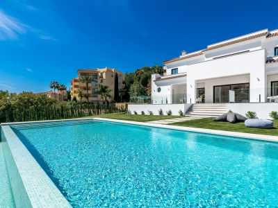 Neu gebaute Villa 1. Linie Golf in Elviria