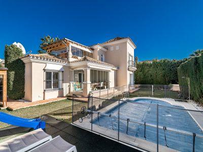 Charming villa a few meters from the beach in Bahia de Marbella