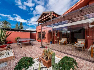 Villa à vendre dans Elviria, Marbella Est