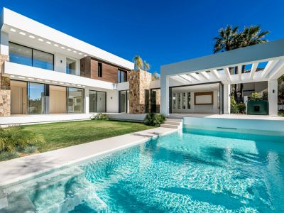 New built modern villa next to the Marbella Club
