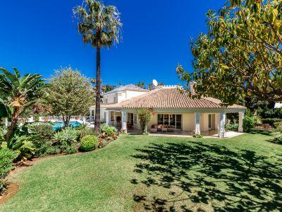 Spacious villa in Hacienda Las Chapas