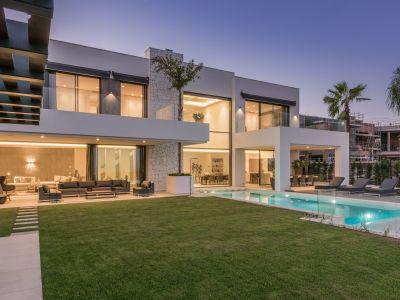 Chic and stylish villa with panoramic sea views