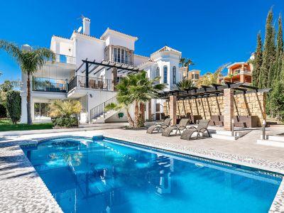 Atemberaubende Villa im Herzen des Golf Valley, Nueva Andalucia
