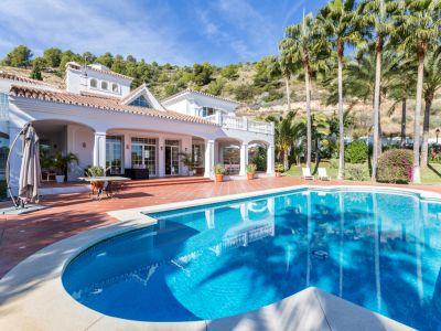 Great villa in Camoján with sea views