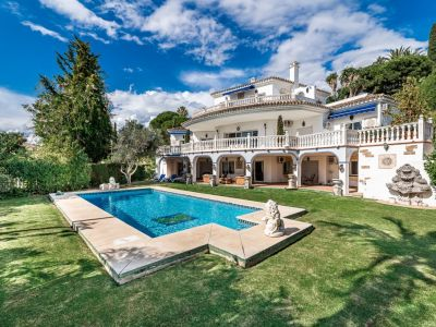 Classic villa with own tennis court in Paraiso Alto