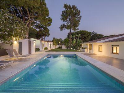 Modern villa near the beach in El Rosario Marbella