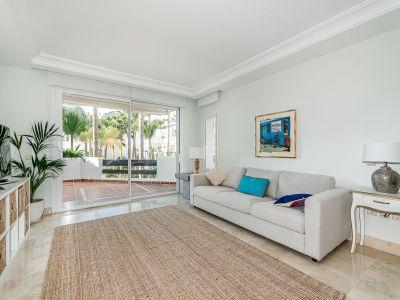 Lo mejor de ambos mundos, fantástico apartamento junto a la playa, Puerto Banús