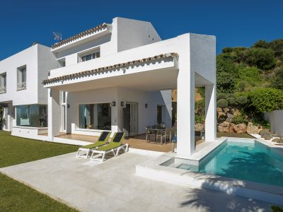 ¡La villa moderna frente al golf con el mejor precio!