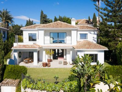 Villa moderne avec vue sur la mer à Los Monteros Marbella