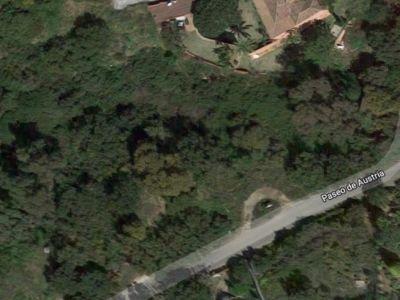 Grundstück in ruhiger Lage in Elviria