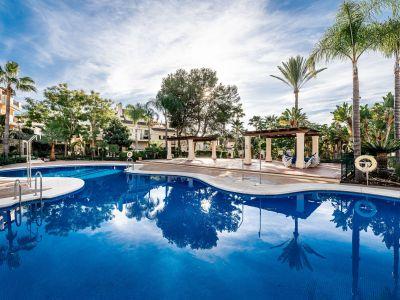 Magnífico adosado en el corazón de Nueva Andalucía Golf Valley
