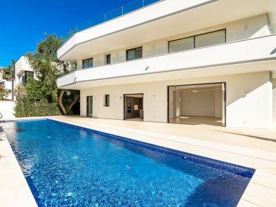 Nouvelle villa contemporaine sur la plage du Golden Mile