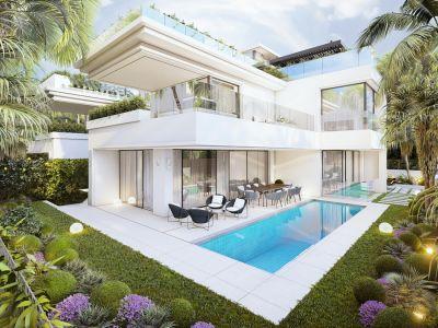 Villa moderne en construction au bord de la plage