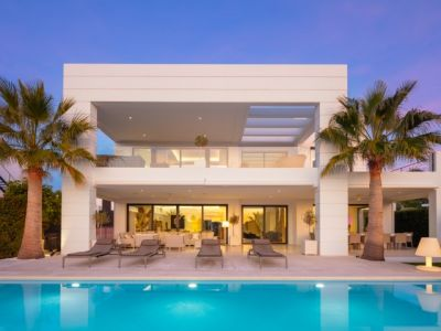 Modern luxury villa within a secure gated community, Nueva Andalucia Golf Valley