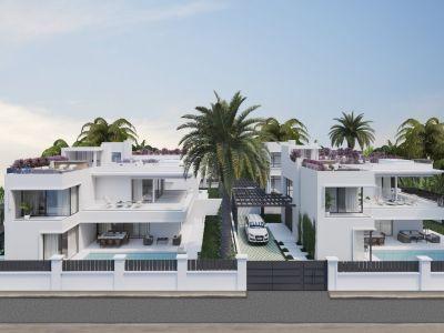 Villa moderne en construction en bord de mer