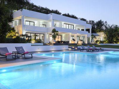 Contemporary Villa with Sea & Mountain Views