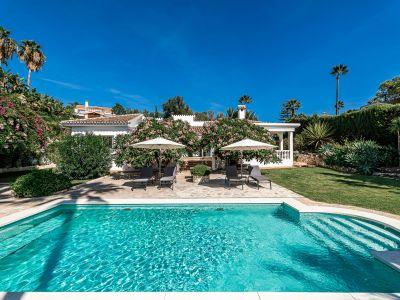 Elegante Villa auf groβem Grundstück in El Rosario Marbella