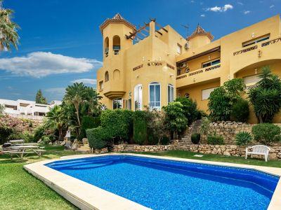 Auβergewöhnliche Villa mit Meerblick in El Rosario Marbella