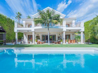 Villa familiale sophistiquée à côté de la plage - Urb. Casablanca