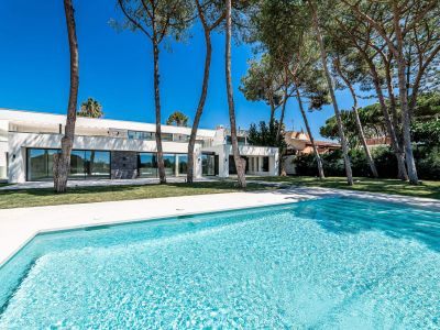 Atemberaubende moderne Villa direkt am Strand