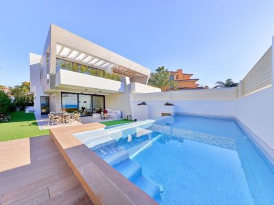 New Beachside Villas, Puerto Banús - First 2 Houses are Already Built