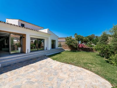 Villa in Strandlage mit Indoorpool in Las Chapas Playa