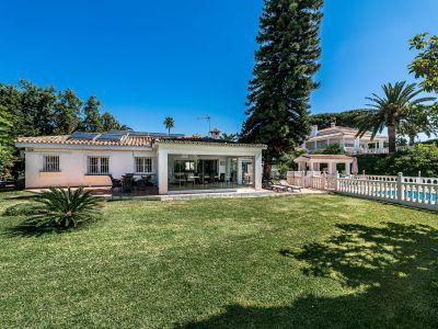 Villa Bungalow Style - Opportunity in Elviria