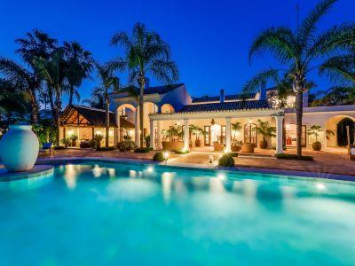 Luxuriöse Villa nur 100 Meter vom Strand