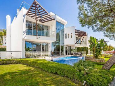 Modern villa with sea views Sierra Blanca