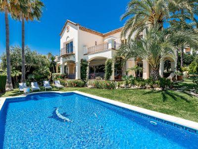 Villa zum Verkauf in Sierra Blanca mit Meerblick