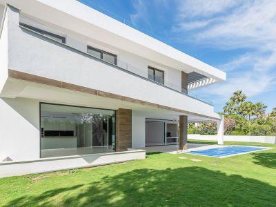 Stunning new modern Villa in Elviria