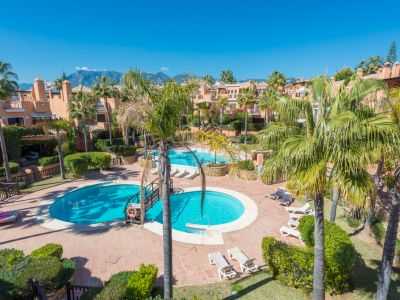 Best priced townhouse only meters from the beach in Bahía de Marbella