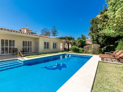 Villa next to the beach in the exclusive secure area of Los Monteros, Marbella East