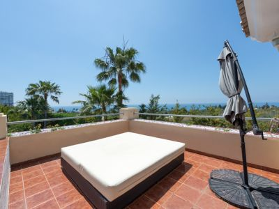 Villa méditerranéenne à côté du terrain de golf et près de la plage à Rio Real Marbella