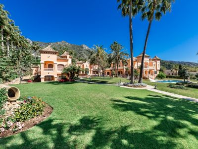 Spectacular mansion with panoramic sea views in Sierra Blanca