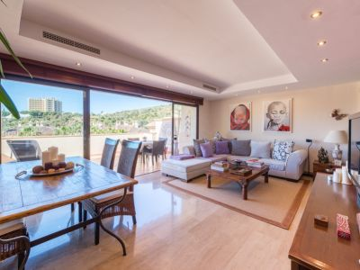 Duplex penthouse with views in Rio Real Marbella