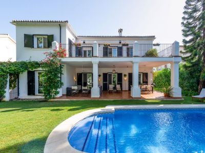 Charming Villa on frontline golf, Guadalmina Alta