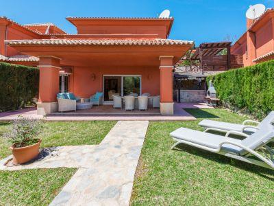 Semi detached villa with garden in Santa Clara Los Monteros Marbella
