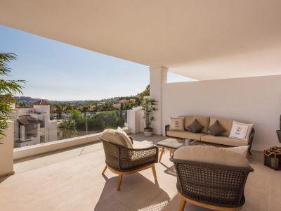 Luxury Hillside Living in a Privileged Location