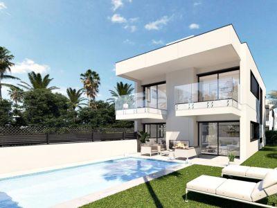 New luxury stylish villas, beachside Puerto Banús