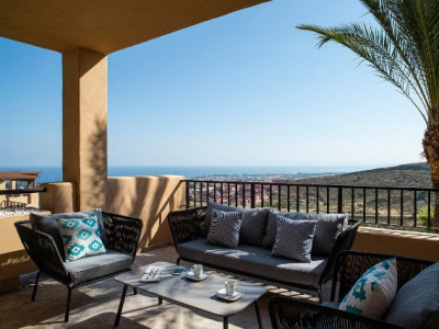 Penthouse with panoramic sea views, La Alquería