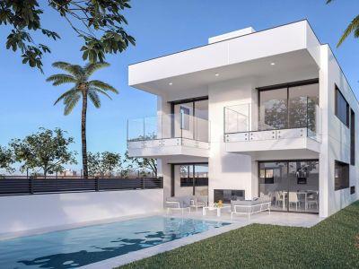 Nuevas y elegantes villas de lujo en una ubicación privilegiada, junto a la playa en Puerto Banús